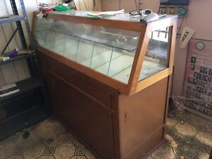 Vintage Display Cases Dating Ti 1950 S Separate Pieces One With Glass Case