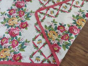 Super Beautiful Vintage Antique Quilt Roses W Ruffle Trim Pink On White Mustsee