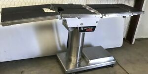 Skytron 6002 Electric Surgical Table