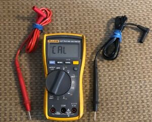 Fluke 117 True Rms Multimeter With Test Leads needs Recalibrated