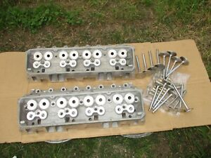 Nos Chevy 350 Sbc Angle Plug Hp Aluminum Cylinder Heads 14011049 Never Used New
