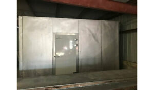 Used 16 X 16 X 10 Walk In Cooler Excellent Condition