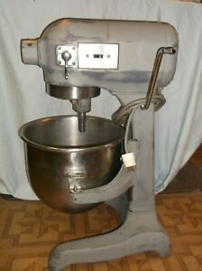 Hobart A 200 Mixer 20 Qt Comes With Whip Paddle Grinder 1 3hp 115v