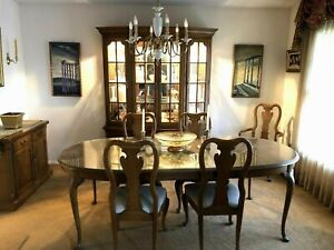 Dining Room Set 11 Pcs Authentic Vintage Thomasville Pristine Condition