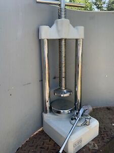 Manfredi Ol 573 Hydraulic Dental Press Made In Italy