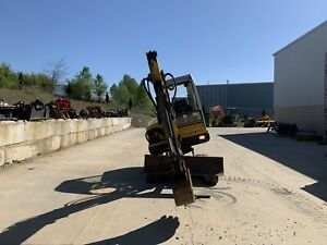 Mustang Me3602 Mini Excavator W Tilt And Two Buckets