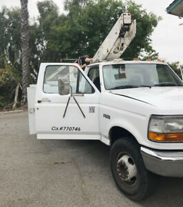 Ford 1997 F Super Duty Bucket boom Truck new Engine