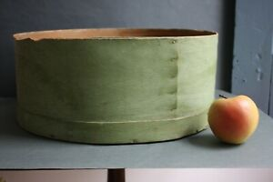 19th C New England Big Bentwood Measure In Rare Original Dry Apple Green Paint