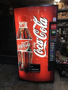 Royal 660 Soda Vending Machine