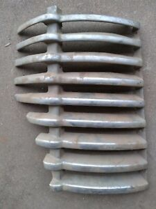 1941 42 46 47 Diamond T Truck Cast Potmetal Rh Grille Section Half