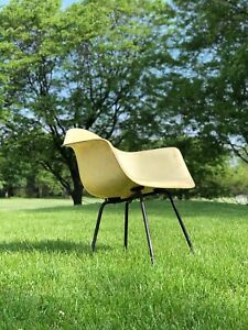 Eames Herman Miller Rope Edge Parchment Shell Arm Chair