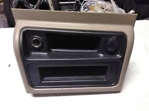 03 06 Tahoe Center Console Upper Trim Bezel Included Tan Silverado Yukon