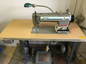Singer Industrial Sewing Machine 591 200a Runs Smoothly Head