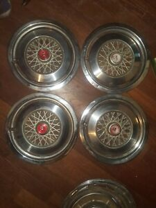 Full Set Of Vintage Ford Mustang 1974 78 14in Hubcaps