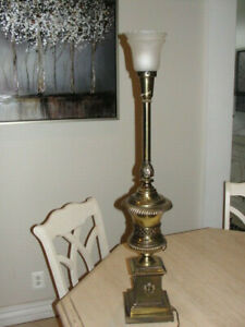 Antique Lamp Tall Heavy Weight Brass Federalist Hollywood Regency Bed Breakfast