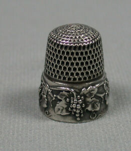 Antique Simons Sterling Silver Thimble Grape Vines