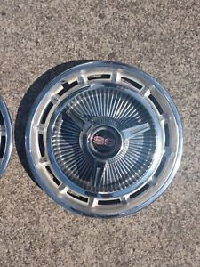 Set Of 2 Vintage 1965 66 Chevy Impala Ss Hubcaps
