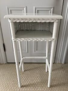 White Wicker Wood Side End Accent Table Nightstand Vintage 30