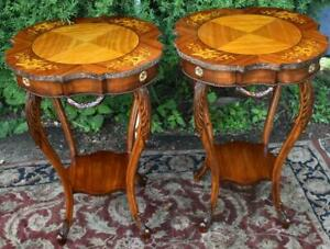 1910s Antique Pair Of French Louis Xv Walnut Satinwood Inlay Side End Tables
