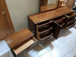 Mid Century Modern Broyhill Bedroom Suite 5 Pc Emphasis