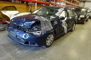 Automatic Transmission Out Of A 2014 Volkswagen Jetta 2 0l With 17 425 Miles