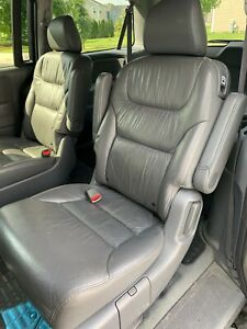 2007 Honda Odyssey 2nd Row Rear Left Right Seats Leather Dark Gray