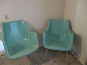Pair Vintage Mid Century Modern Fiberglass Shell Arm Chairs Eames Style