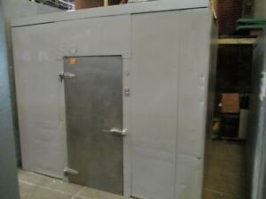 Used 81 X 115 X 99 Walk In Cooler Box