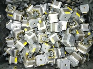 Lot Of 100 Identical Nema 17 Japan Servo Stepper Motors 51 2oz in Mill Robot