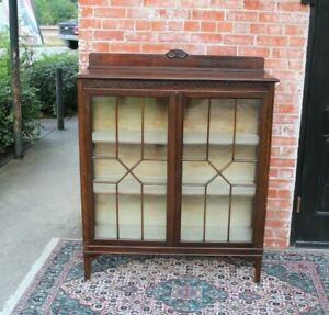 English Antique Mahogany 3 Shelf Chippendale Bookcase 2 Door Display Cabinet