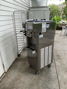 Stoelting F231 Ad1 Soft Serve Frozen Yogurt Twin Ice Cream Machine Clean