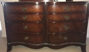Two Vintage Antique Mahogany 1940s Federal Style Serpentine Bow Front Dressers