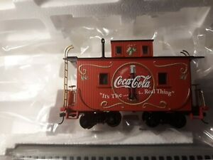 HO Train Hawthorne Village COKE Coca Cola Holiday Express Caboose Bachmann NEW