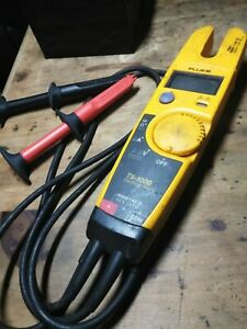 Fluke T5 1000 Voltage Continuity And Current Electric Tester W Alligator Clips
