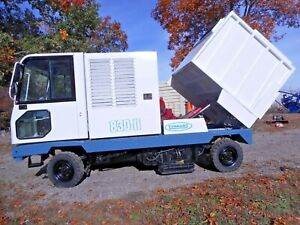 Tennant 830 ii Street Sweeper New Diesel Engine Touch Pad Controls Good Brushes