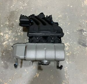 2006 Vw Beetle Intake Manifold Upper Lower 06a 133 203 06a 133 204