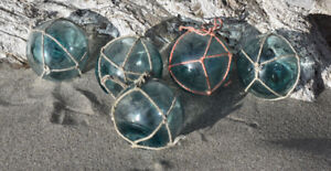 Vintage Japanese Glass Fishing Floats 2 Netted Lot Of 5