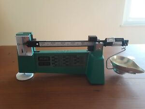 RCBS 1970s VINTAGE --- BY OHAUS 09070 -- MODEL 5-10 POWDER SCALE -- NEVER USED