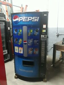 Dixie Narco 501 e Bottles cans Soda Vending Machine Credit Card Capable Sale