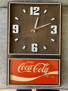 Vintage ENJOY COCA COLA CLOCK 12
