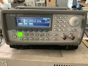 Hp Agilent 33220a 1uhz 20 Mhz Function arbitrary Waveform Generator Ship Express