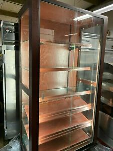 Wood Cigar Case 44 5 X 25 Lighted Floor 2 Sliding Glass Door Enclosed Display