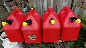 Four 4 Blitz 5 Gallon Plastic Gas Cans Vented Spouts W new Caps