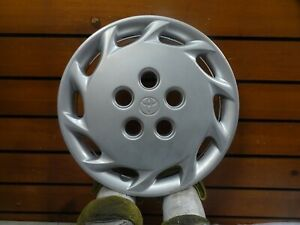 One Factory 1997 1998 1999 Toyota Camry Hubcap Wheel Cover