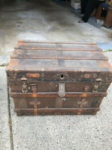 Antique Steamer Trunk Brown Wood With Steel 250