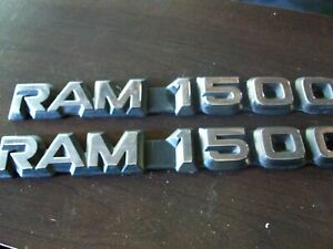 94 02 Dodge Ram 1500 Door Emblems Oem Side Door Emblem Set 2 Nice Used Shape