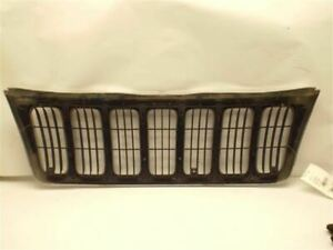 Grille Chrome Fits 99 03 Grand Cherokee 227059