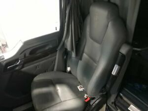 2016 Kenworth T680 Right Air Ride Seat