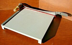 Vintage Ingento No 1142 Paper Cutter 15 Wood Base With Cast Iron Cutting Arm