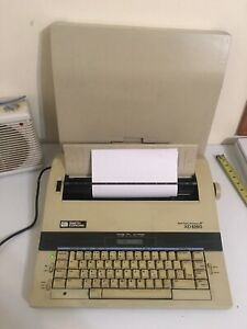 Smith Corona Xd 5250 Spell right Memory Typewriter 5p With Cover